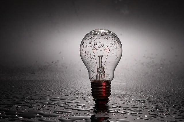 bulb-2287759_640.jpg